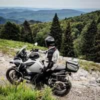 Bild könnte enthalten: Motorrad, im Freien und Natur